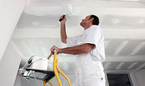 aanbrengen verf plafond